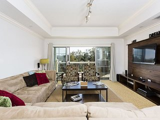 Modern Bargains - Reunion Resort - Feature Packed Contemporary 3 Beds 3 Baths