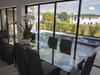 Upscale & Luxury Home Near Disney!