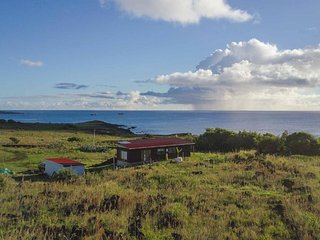 Hiku ote ika HOME & CAR. Bungalow with ocean view.