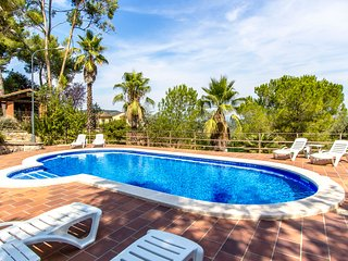 Catalunya Casas: Elegant Villa Siran in Corbera de Llobregat, 30 km to Barcelona