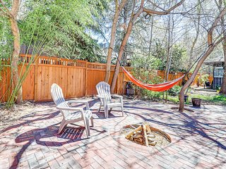Gorgeous studio cottage w/ private patio, firepit in the heart of the North End!