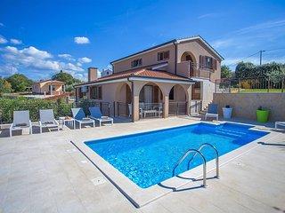 Villa Luka mit eigenem Pool in der Nahe von Porec