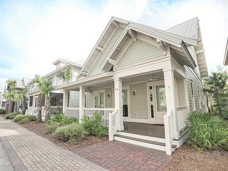 Prominence on 30A ✳ Happy Ours ✳ SLEEPS 10 HOUSE