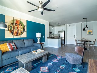 Stylish 2BR in Mission Valley #515 by WanderJaunt