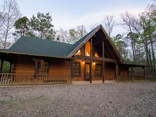 Rawhide Cabin  (3 Bdrm) ( High Eco)(HOT TUB)