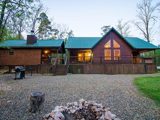 Adirondack Cabin(2 Bedrm)(Hot Tub)