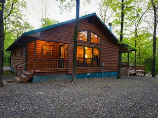 Peace in the Pines  (2 Bdrm) (HOT TUB)