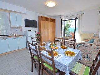 Apartments Ljiljana (70831-A4)