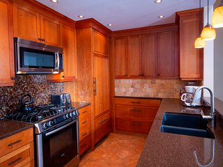 2Br- Remodeled Kitchen& Private Sauna in Kettle Brook- Okemo