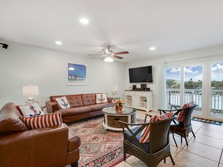Oceanfront Building-totally renovated 2/2-10% OFF FOR 1st 3 BOOKINGS IN AUG/SEP