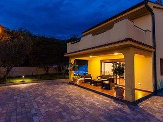 Villa Carlita mit Pool und einzigartiger Aussicht