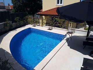 Villa Albina with Private Pool near Aquacolors