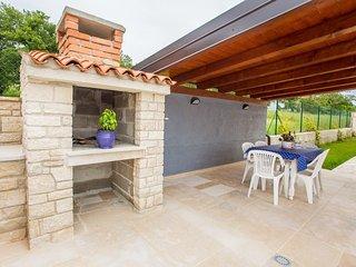 Neu erbaute und modern eingerichtete Villa Hope I mit Pool