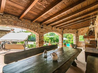 Charming Villa Damiana in Zminj