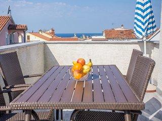 Apartment Complex Mirjana Spadici / Apartment Mirjana V with Balcony and Sea