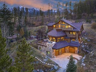The Majesty of the Rockies on 5 Luxurious Levels; Hot Tub, Pool Table & Views