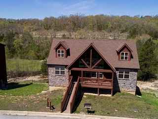 Create Timeless Memories at this 4 Bed Lodge Located at Stonebridge Resort!