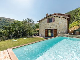 Amazing home in Gubbio -PG- w/ WiFi and 2 Bedrooms