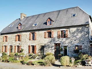 Stunning home in Maupertuis w/ WiFi and 4 Bedrooms