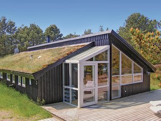 Stunning home in Rømø w/ Sauna, WiFi and 4 Bedrooms (R10240)