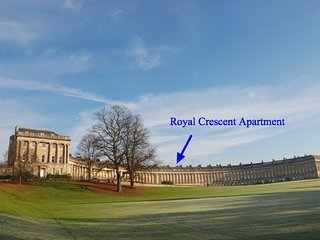 Royal Crescent Luxury Apt 7015