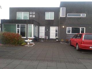 One bedroom apartment,car incl. In Seltjarnarnes.