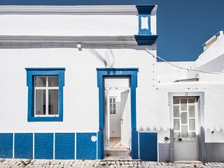 Casa Azul | Super renovated Fishermans cottage, Sleeps 4