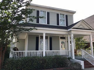 Luxury Victorian2 Near Beach! Name You Price Oct 17-23