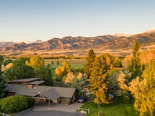 Cherry Creek Guest House - 3 miles from Downtown Bozeman with incredible views.