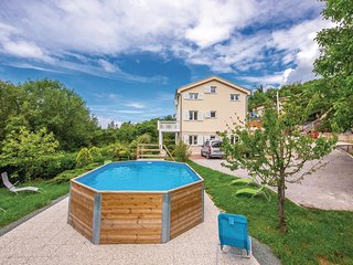 Nice home in Grizena w/ WiFi, 4 Bedrooms and Outdoor swimming pool