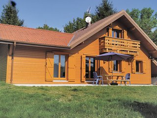 Awesome home in Gerardmer w/ WiFi and 4 Bedrooms (FTV015)