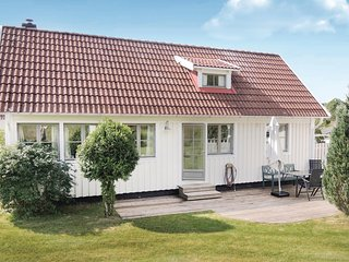 Awesome home in Ullared w/ 2 Bedrooms (S02615)