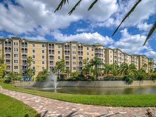 Stunning 2BR w/ WiFi, Resort Pool, Resort Golf & Just 3 Miles From Disney!