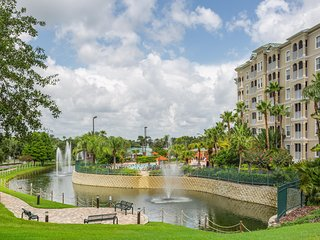 Stunning Condo w/ WiFi, Resort Pool, Resort Golf & Just 3 Miles From Disney!