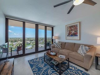 New Listing* Renovated Condo w/Large Balcony & WiFi; Resort Amenities w/Heated P