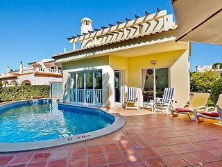 Vilamoura Villa Sleeps 2 with Pool and Air Con - 5816187
