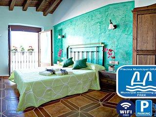 Casa Rural Antonio para 6 pax, 3 dormitorios , WIFI, PISCINAS MUNICIPALES