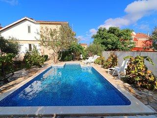 Apartment Jagoda, Vela Luka-Four Bedroom Apartment with Pool and Patio