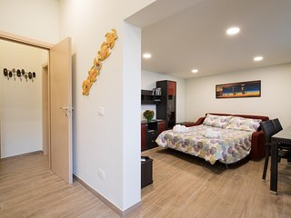 Hiresicily - Apt C - Wellness House Galilei