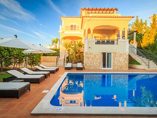 4 Bedroom villa Deluxe with Private pool