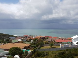 Relaxing Family Holiday Accommodation With Sea View - Kloofsig 505
