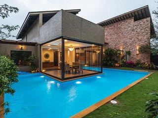 4BHK Luxurious Villa in Lonavala
