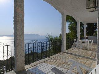 Villa ERIKA+VERONICA. Private access to the sea. Privileged view of the Egean.