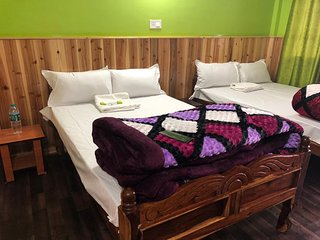 PHUNTSOK KHANG SAR home stay with Hospitality.y,Neat and clean .No extra charges