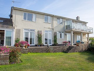 2 Steepfield, Bantham S.Devon - Lovely ground floor apartment close to the beach