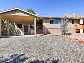 NEW! Sedona Home w/ Deck, Casita & Red Rock Views!