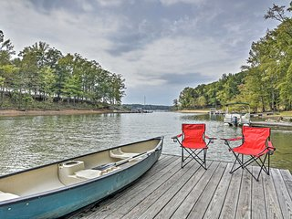 NEW! Home w/Private Dock + Canoe on Kerr Lake!