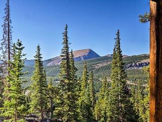 Grand Fairplay Cabin w/ Deck & Mountain Views