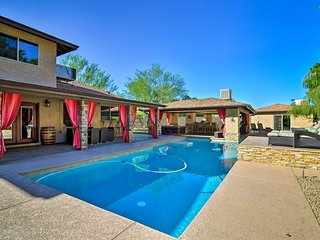 Red Mountain Mesa Oasis: Pool Patio/Bar, Game Room