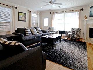 Updated 3 bedroom - River Oaks/Montrose Retreat
